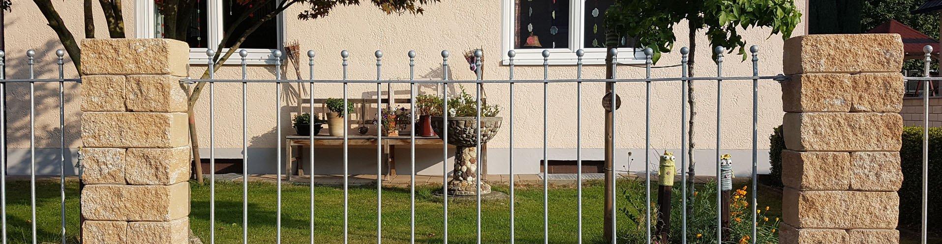 Zaunfelder aus Metall